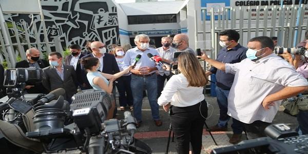 Vacinação contra Covid-19 em Goiás começa de forma imediata, anuncia Caiado