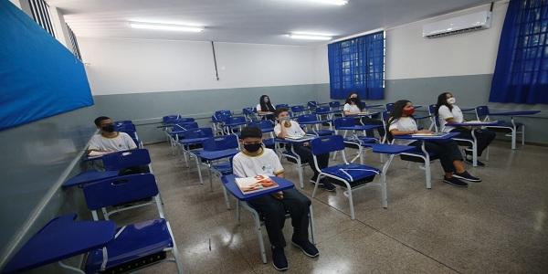 Nota técnica da Saúde amplia para 50% o número de alunos em regime presencial nas instituições de ensino de Goiás